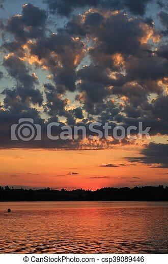 zomer, pfaeffikersee, wolken, op, meer, ondergaande zon  - csp39089446