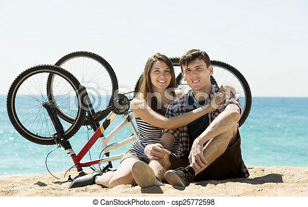 zwykły, para, bicycles, młody - csp25772598